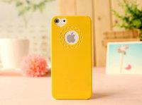 Чехол накладка для iPhone 5s / SE / 5 пластик с узором желтый