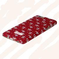 """Пластиковый чехол накладка для iPhone 6 (4.7"""") красная с голубыми цветами"""