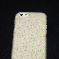 """Белый пластиковый чехол для iPhone 6 Plus / 6s Plus (5.5"""") матовый светящийся в темноте белые фиолетовые зеленые капли"""