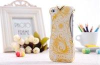Чехол накладка для iPhone 5 / 5s / SE белое платье с золотым узором