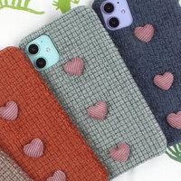 Зеленый тканевый чехол с сердечками для iPhone 11