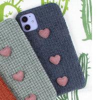 Синий тканевый чехол с сердечками для iPhone 11