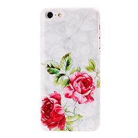 Пластиковый чехол накладка для iPhone 5c красные розы - Big Red Roses Pattern Case
