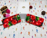Белый пластиковый чехол накладка для iPhone 5s / SE / 5 Красная вишня