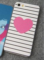 Пластиковый чехол накладка для iPhone 5s / SE / 5 Розовое сердце