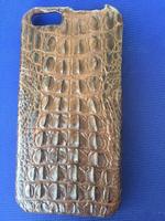 Светло коричневый чехол из крокодиловой кожи для iPhone 6 / 6s хребет