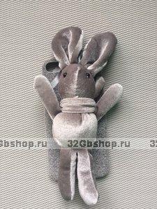 Чехол для iPhone 7 / 8 с игрушкой серый Кролик